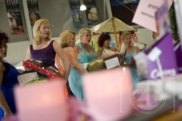 De Goodnight Ladies laten van zich horen tijdens de LifeStyle dagen bij Autobedrijf Groot Jebink.