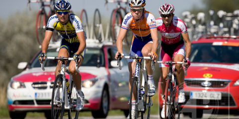 Vuelta in Zutphen, the leading group on their way to Venlo.