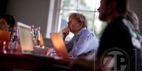Hoe benut je mogelijkheden zoals bloggen, Twitter en LinkedIn optimaal? Hoe bereik je meer met reclamecampagnes via Google? Kortom, hoe krijg je meer klanten via internet? Op 15 juni heeft bij restaurant 't Schulten Hues (met Michelinster) in Zutphen voor de tweede maal het social media event Show Me The Tools plaats.