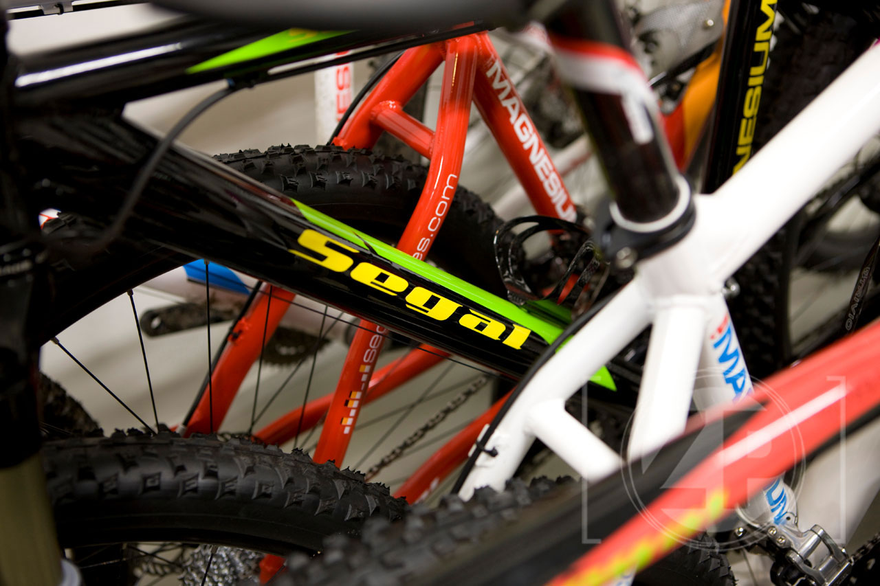 Fietsenstalling Segal Bikes in de studio