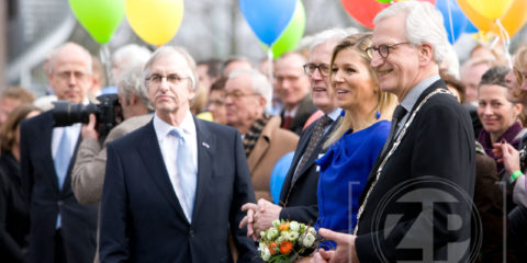 Prinses Máxima opende vandaag De Lunette, de nieuwbouw van woonzorgcentrum Sutfene in Zutphen. Patrick van Gemert had de eer om een koninklijke fotoreportage te maken voor de kunstenaars die in de centrale hal van De Lunette exposeren.