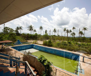 Swimmingpool at the abbandoned clubhouse, the building is empty since the miningcompany left Dunkwa.