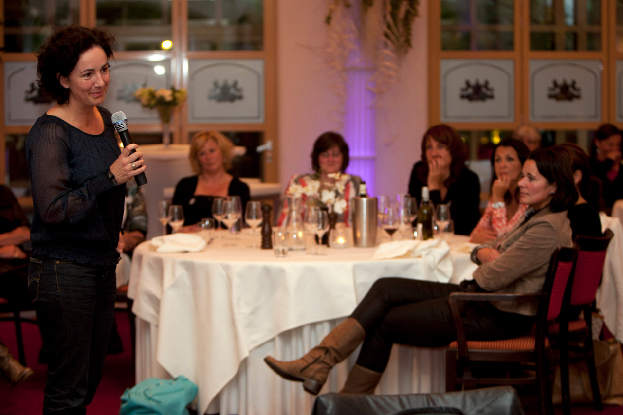 Femke Halsema spreekt tijdens de bijeenkomst van Women in Business in De Roskam.