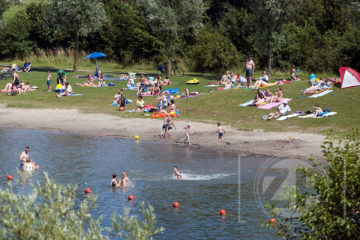 Eindelijk zomer, waterpret bij Bronsbergen.