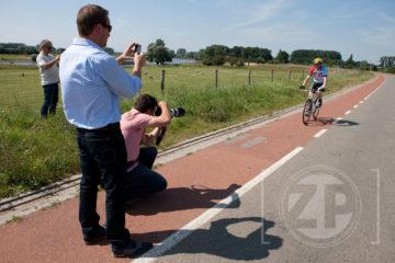 Afgelopen woensdag was onze fotograaf Patrick van Gemert op pad om voor Segal Bikes een nieuw model te fotograferen. Het weer werkte mee en zo kon er een prachtige serie foto's worden gemaakt van een recreatieve fietser op de dijk.