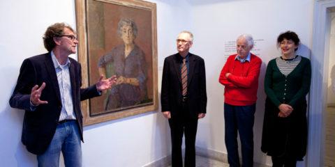 Overdracht van het Portret van Henriette Polak in het Henriette Polak Museum.