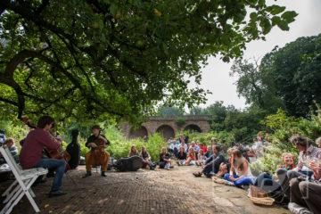 Cello festival Zutphen, picknick concert in de tuin van Het Bolwerck.