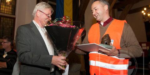 De MBO Award ging dit jaar naar Schoonmaakbedrijf Glans, Mark Heuvelink nam de prijs in ontvangst uit handen van juryvoorzitter Jos Addink.