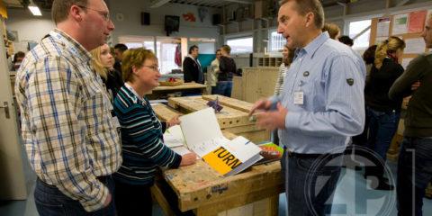 slechts op bezoek. Patrick van Gemert maakte foto's, zoals deze van het houtbewerkingslokaal in de jeugdgevangenis Kolkemate in Zutphen.