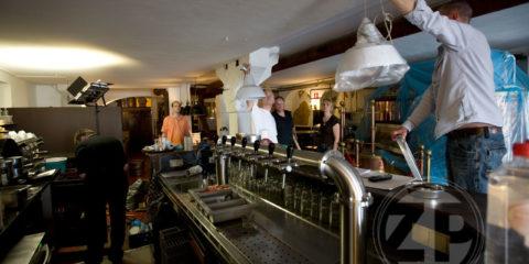 Je hoeft niet meer per se op rand van faillissement te staan, voordat Herman den Blijker je restaurant wil helpen. En dus gaf Gerrit Wolf van de Hanze Stadsbrouwerij in Zutphen zich op voor zijn tv-serie.