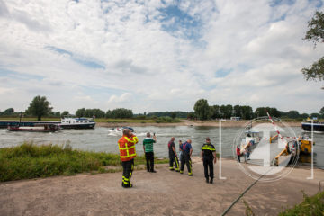 Het pontje tussen Brummen en Bronkhorst is uit de vaart nadat een vrachtschip de kabel van het veer het stukgetrokken. De kabel zat daardoor vast in de schroef van het vrachtschip en is aan het einde van de dag door een duiker losgemaakt.