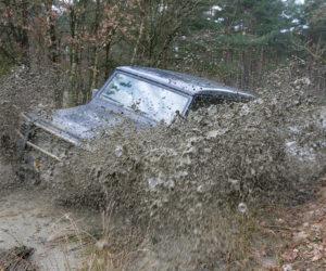 Mecedes G klasse in de modder in Furstenau ©2010Patrick van Gemert