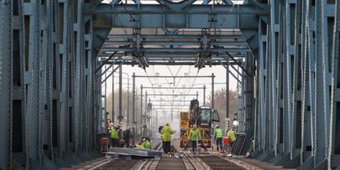 Werk aan het spoor. ©2016 Patrick van Gemert
