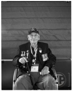 De Canadese veteraan Ted Paisley, gefotografeerd met een Speed Graphic camera. Foto: Patrick van Gemert