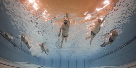 Onderwaterfotografie in het zwembad. ©2016 Patrick van Gemert