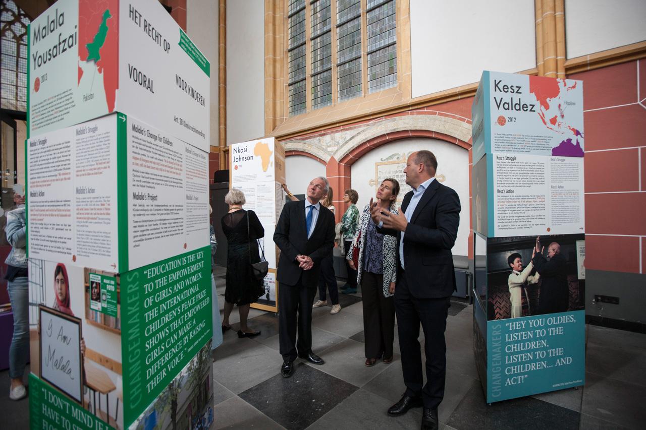 Opening van de World Press Photo tentoonstelling in de Walburgiskerk in Zutphen. ©2016 Patrick van Gemert