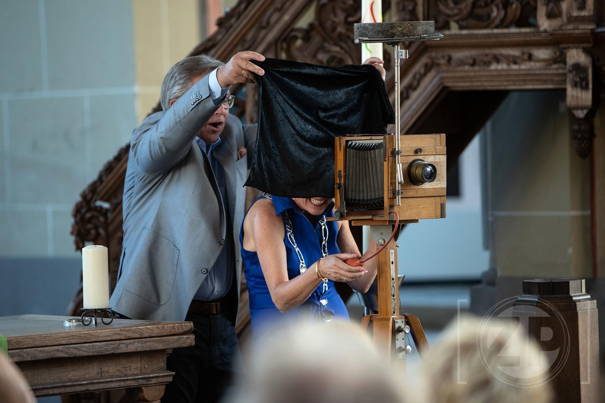 Opening van de World Press Photo tentoonstelling in de Walburgiskerk te Zutphen. Foto Patrick van Gemert, Zutphens Persbureau