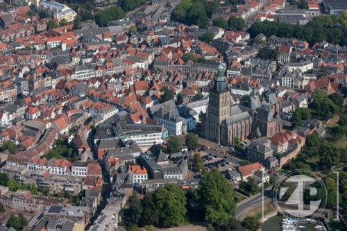 De Zutphense binnenstad gezien vanuit de lucht.