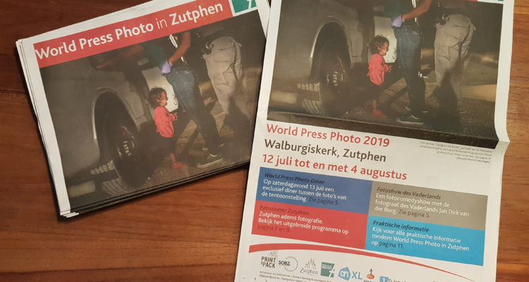 Speciale krant World Press Photo 2019 in Zutphen
