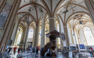 Zutphen - World Press Photo in de Walburgiskerk te Zutphen.